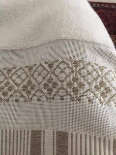 Basic Embroidery Stitches, Bargello, Blackwork, Diy And Crafts, Men Sweater, Design, Hand Embroidery Stitches, Embroidery Stitches, Cross Stitch Embroidery