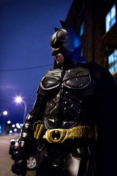 Batman cosplay by Mario Batgirl And Robin, Batman And Batgirl, Im Batman, Batman Comics, Batman Robin, Batman Cosplay Costume, Dc Cosplay, Male Cosplay, Best Cosplay