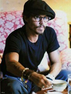 Johnny Depp  sexy-people-drinking-tea: