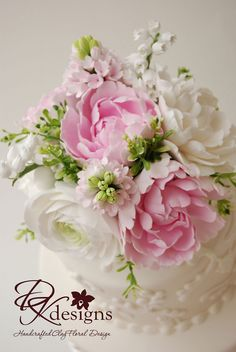 *CLAY ~ Flowers, by dkdesigns Paper Flower Art, Flower Crafts, Paper Flowers, Faux Flowers, Diy Flowers, Wedding Bouquets, Wedding Flowers, Sugar Paste Flowers, Cold Porcelain Flowers