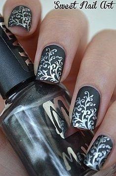Diseños de Uñas en color Plata 16