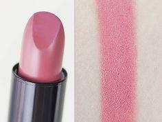 Rouge à lèvres Rouge Edition 12 heures (Bourjois) - Pêche Cocooning #blog #beauté #blogbeauté #blogueusebeauté #beauty #beautyblog #beautyblogger #bblogger #maquillage #makeup #lèvres #lips #favoris #favourites #beautyfavourites #indispensables #basics #rougeàlèvres #lipstick #RougeEdition12heures #nude #rose #pêche #peach #pink #PêcheCocooning #Bourjois #revue #test #avis #swatch…