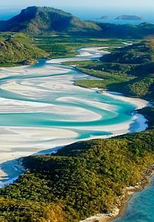 Whitehaven Beach at Whitsunday Island in Australia  | followpics.co