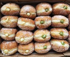 Italy Food, Dessert Recipes, Desserts, Sweet Bread, Bomboloni, Pistachio, Recipe Box, Bagel, Finger Foods