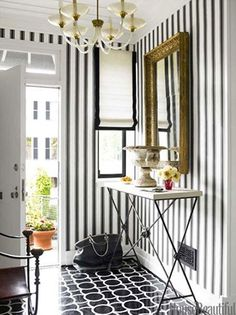 Decoration Inspiration: 10 Black & White Entryways | Apartment Therapy