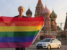 Actress Tilda Swinton flies rainbow flag in Moscow in solidarity with LGBT community