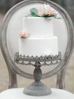 of July inspired wedding cake Burgundy And Grey Wedding, Naked Cakes, Garden Wedding Inspiration, Wedding Ideas, Amazing Wedding Cakes, August Wedding, Cake Trends, Georgia Wedding, Elegant Cakes