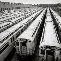 monochrome subway - Google 検索