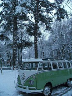 Samba Bus in Snow