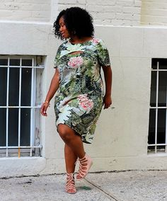 Want to get the most style from of the littlest effort? Go for a printed shift dress that does all the work for you.