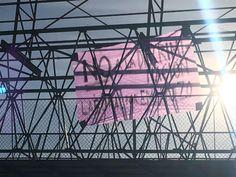 Colocan manta en puente de las Industrias y Escudero, era por el Día de la Mujer   El Puntero