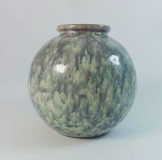 Klaas Vet (Arnhem, Holland) vase, circa 1910-1920