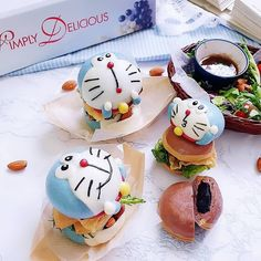 Instagram 上的 Doraemon World ドラえもんの世界:「 Omg 💙 this is cute 😆 . . Photo by @lyphine_gan 」 Mini Burgers, Doraemon, Sandwiches, Cute, Desserts, Anime, Instagram, Food, Mini Hamburgers
