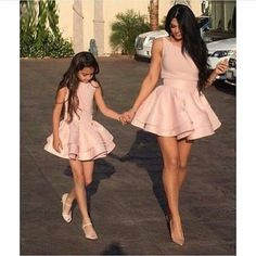 53 new ideas for baby girl cute outfits mother daughters Mother Daughter Photos, Mother Daughter Matching Outfits, Mother Daughter Fashion, Mommy And Me Outfits, Mom Daughter, Mother Daughters, Mother Son, Baby Girl Dresses, Baby Dress