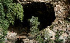 NG - Pórtico da gruta Terra Ronca, no Parque Estadual de Terra Ronca, Goiás