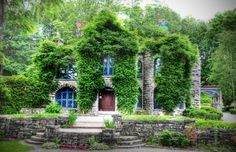 """Beardslee Castle Little Falls NY.   The castle was built in 1860 and is said to be haunted.  """"known for it's fine food and ambiance"""" -the HISTORY CHANNEL"""