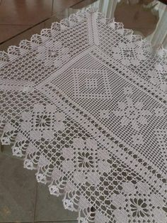 Free Crochet Doily Patterns, Crochet Placemats, Crochet Table Runner, Crochet Motif, Crochet Doilies, Knit Crochet, Fillet Crochet, Diy And Crafts, Weaving