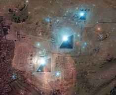 Giza's pyramids alligned with the Orion's belt stars  (Orion constelletion).