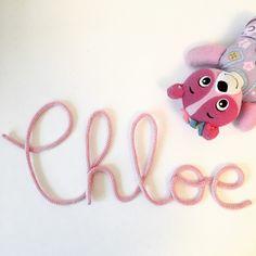 Bienvenue petite Chloe  Prénom en tricotin