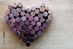 Wine cork heart shape - craft day soon Wine Cork Trivet, Wine Cork Art, Wine Craft, Wine Cork Crafts, Decoration St Valentin, Deco Pastel, Recycled Wine Corks, Wine Bottle Corks, Bottle Top