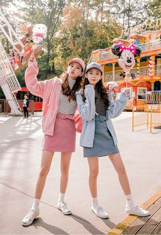 Korean Fashion Trends you can Steal – Designer Fashion Tips Ulzzang Korean Girl, Cute Korean Girl, Ulzzang Fashion, Asian Fashion, Friends Mode, Korean Fashionista, Style Kawaii, Moda Ulzzang, Korean Best Friends