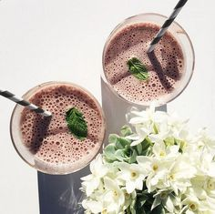 Jennifer Lopez's healthy berry smoothie recipe, from Bodylab