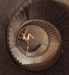 Caras Ionut: fotografía matemática surrealista. | Matemolivares