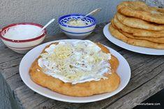 Langoși ungurești rețeta tradițională pas cu pas   Savori Urbane Pastry And Bakery, Quiche, Camembert Cheese, Cake Recipes, Toast, Goodies, Dairy, Cooking Recipes, Breakfast