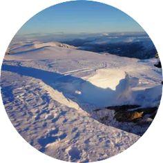 Type tur: Ski Anbefalt turperiode: Vinter/vår Toppunkt: 1590 moh. Total stigning: 990 hm. Primærfaktor: 120 meter Tidsbruk (en vei):2,5 timer Kilometer (en vei): 4,5 km Denne turen tas bare ved sikre snøforhold, sjekk derfor snøskredvarsel før du drar i vei. Klikk poå bildet for full beskrivelse! Mount Everest, Mountains, Tips, Nature, Travel, Naturaleza, Viajes, Destinations, Traveling