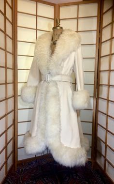 Classy Outfits, Pretty Outfits, Cool Outfits, Fur Fashion, Fashion Outfits, High Fashion, Penny Lane Coat, Shearling Coat, Fit And Flare