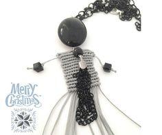 Necklace grey dolls blck beads di morenamacrame #macrame #dolls #necklace #handcrafted #micromacrame #blackchair