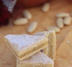 dolce forno: Triangoli arancia e mandorle