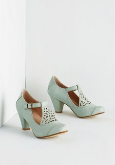 Picture of Poetic Heel in Sage. Always poised and mild-mannered, you look especially proper in these T-strap cone heels by Chelsea Crew! SIZE Crew SIZE 39 Brand New In Box Prom Shoes, Wedding Shoes, Cute Shoes, Me Too Shoes, Mint Shoes, Green Pumps, Green Shoes, Vintage Heels, High Heels