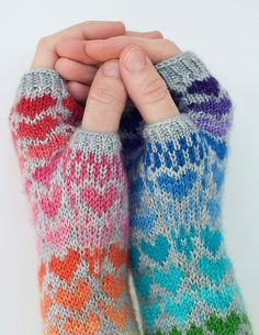 Ravelry: Rainbow Heart pattern by Stephanie Lotven Fingerless Gloves Knitted, Mittens Pattern, Fair Isle Knitting, Baby Knitting, Wrist Warmers, Hand Warmers, Knitting Projects, Knitting Patterns, Crafts