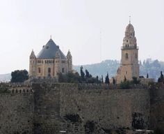 The grandly beautiful Dormition Abbey on Mount Zion. One of the important Christian sites in Jerusalem Jerusalem Travel, Jewish Temple, Benedictine Monks, Mount Of Olives, Israel Travel, World Religions, John The Baptist, Day Tours, Great View