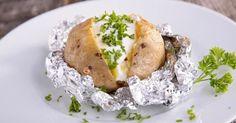 Recette de Pommes de terre light farcies aux herbes. Facile et rapide à réaliser, goûteuse et diététique. Ingrédients, préparation et recettes associées.
