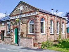 This beautifully converted, former Methodist chapel is located in the small rural village of Great Hatfield, 4 miles from the seaside town of Hornsea.