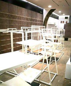 Empresa especializada en el montaje de equipamiento y mobiliario comercial en Canarias Loft, Bed, Tenerife, Furniture, Home Decor, Shop Fittings, Retail Space, Commercial Shelving, Dressing Rooms