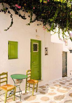 Green Door~Mykonos, Cyclades, Greece (by Khela de Freslon) Beautiful Islands, Beautiful Places, Le Riad, Greek House, Mykonos Greece, Santorini, Mykonos Island, Cheat Meal, Greece Travel