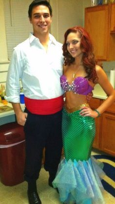 22 Couples Halloween Costume Ideas DIY Ariel and Prince Eric Fete Halloween, Halloween 2017, Happy Halloween, Halloween College, Group Halloween, Halloween Makeup, Ariel Costumes, Diy Costumes, Costume Ideas