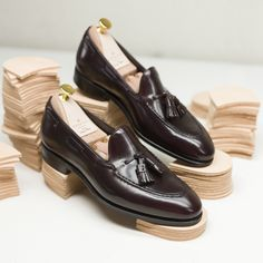 af3169184d2 Introducing our new Tassel loafers 80481 in  horweenleathershell cordovan  color 8