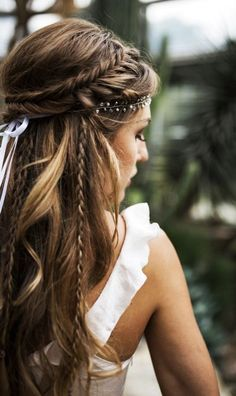 36 Elegant And Fresh Wedding Hairstyle Trendy In 2019 hair style, wedding hair style, hair braid hairstyles boho 36 Elegant And Fresh Wedding Hairstyle Trendy In 2019 - SooShell Long Hair Wedding Styles, Boho Wedding Hair, Braided Hairstyles For Wedding, Wedding Hair And Makeup, Braid Hairstyles, Wedding Gowns, Hairstyle Wedding, Trendy Wedding, Updo Hairstyle
