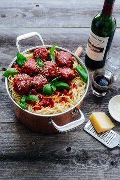 Delicious Savory Spaghetti and Meatballs Recipe