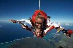 Discover all the best air activities in Mauritius, tandem skydiving to enjoy the beauty of the island from above or the micro flight for an air excursion Best Places To Skydive, Bungalow, Indoor Skydiving, Mauritius Island, Paragliding, Rock Climbing, Outdoor Activities, Skateboard, Uruguay