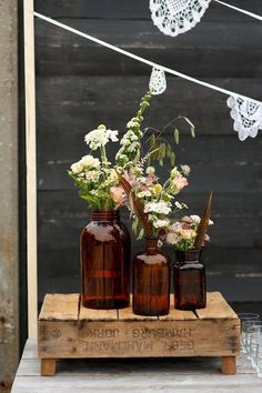 Rustic bohemian wedding styled by Oh Happy Day. Photocredits: Mon et Mine. Rustic bohemian wedding s Rustic Bohemian Wedding, Bohemian Wedding Decorations, Wedding Table Centerpieces, Rustic Chic, Bohemian Decor, Bohemian Wedding Flowers, Bohemian Chic Weddings, Bohemian Design, Bohemian Style