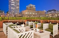 Pin for Later: 14 Rooftop Hangouts to Add to Your Bucket List Drumbar, Chicago Sitting atop the Raffaello Hotel, Drumbar serves up tasty cocktails with views of Lake Michigan and the Hancock building. Visit Chicago, Chicago Hotels, Chicago Travel, Chicago Restaurants, Chicago Chicago, Chicago Neighborhoods, Chicago Skyline, Chicago Illinois, Hotel Rooftop Bar