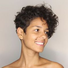 17 Photos That Prove Pixie Cuts Look Incredible With Curly Hair. Curly pixie cuts are the way, the truth, and the life. Short Curly Pixie, Curly Pixie Hairstyles, Curly Hair Styles, Haircuts For Curly Hair, Short Pixie Haircuts, Curly Hair Cuts, Short Hair Cuts, Pixie For Curly Hair, Thin Hair
