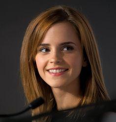 Emma Watson's hair & beauty: then vs now – Celebrities Woman Emma Love, Emma Watson Beautiful, Emma Watson Sexiest, My Emma, Style Emma Watson, Emma Watson Belle, Emma Watson Video, Emma Watson Movies, Enma Watson