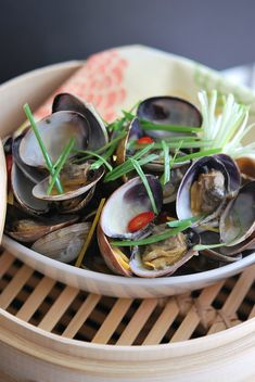 Clams with Ginger and Lemongrass #clams