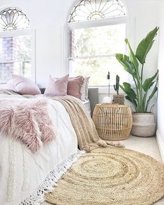 9 Comfy bedroom ideas for girls to copy Get the comfy apartment look Cozy white bedroom fluffy bedroom bedroom goals warm bedroom bedroom plants cozy bright bedroom cozy bedroom for couples I do not own this photo Comfy Bedroom, Girls Bedroom, Master Bedroom, Diy Bedroom, Rug For Bedroom, Cozy White Bedroom, 1920s Bedroom, Bedroom Corner, Teen Bedrooms